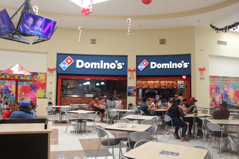 Dominos-Exterior-Plaza-Las-Flores-Villaflores